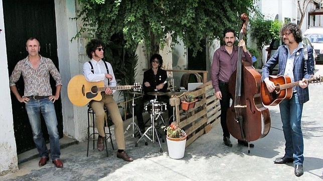 «Los Sentíos» buscan extras este jueves en Sevilla para la portada de su disco