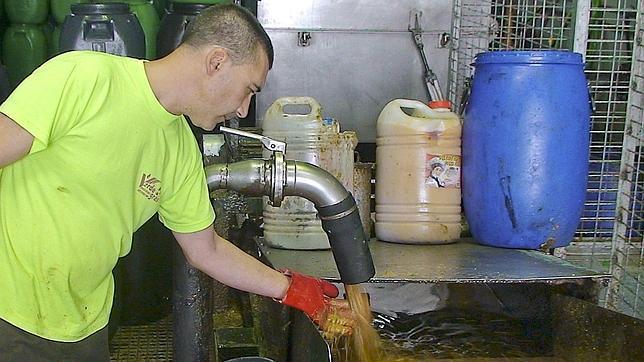 Los empresarios piden la nulidad de las ordenanzas de limpieza por el reciclaje del aceite