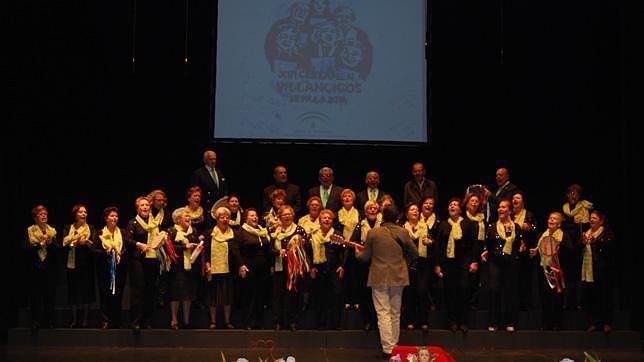 Actuación del coro de Dos Hermanas en el Certamen de Villancicos