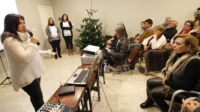 Mercedes Cañadas, durante la conferencia «Cómo vivir una Navidad sin ti»