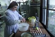 En el convento del Socorro de la calle Bustos Tavera la actividad se incrementa en estos días. En la cocina, las monjas no cesan de elaborar pestiños, sultanas, mantecados y cocadas. Díaz Japón