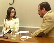 Edurne Uriarte, junto a su presentador, Carlos Herrera. DÍAZ JAPÓN