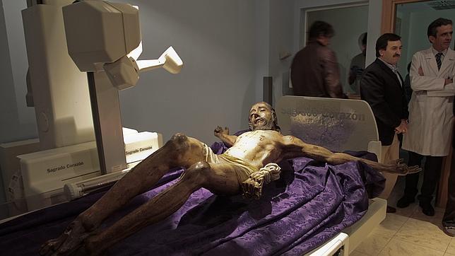 El Cristo de la Vera Cruz de Umbrete, en la consulta del médico