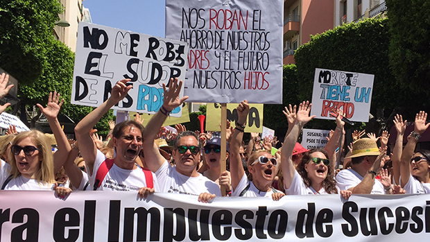 La manifestación ha transcurrido con normalidad al grito de «Susana, ladrona».
