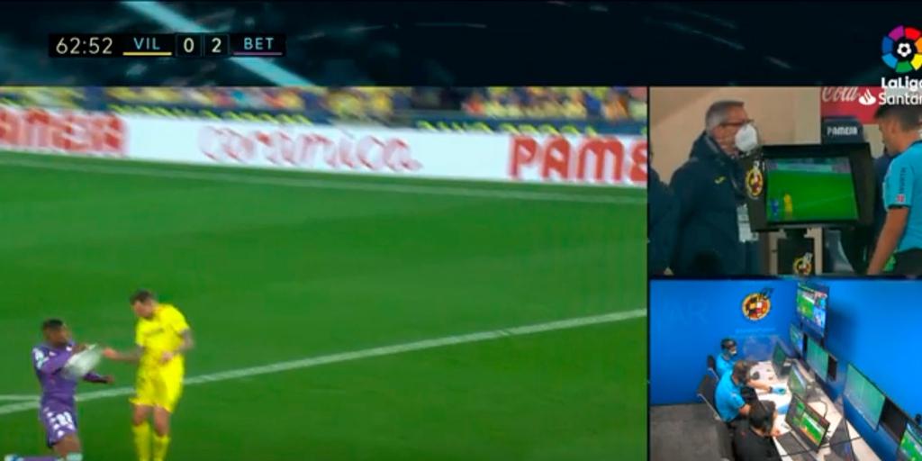 Villarreal - Betis: El polémico penalti por mano de Emerson