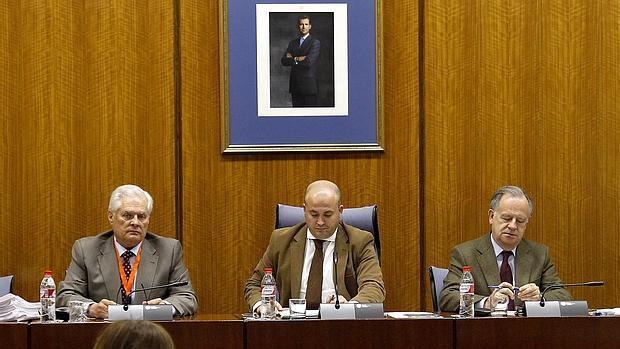 La mesa que preside en el Parlamento andaluz la comisión de investigación de los cursos de formación
