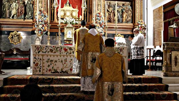 Un momento de la celebración en la basílica de San Juan de Ávila en Montilla