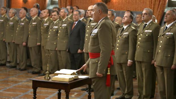 El General De Division Antonio Ruiz Olmos Toma Posesion De Su Nuevo Cargo