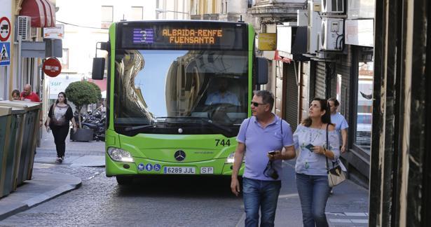 Un bus de Aucordoba en Alfonso XIII