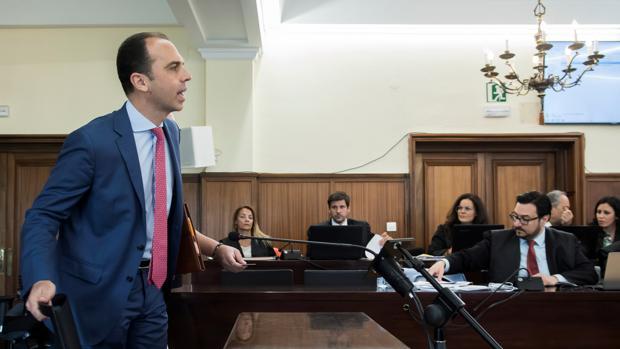 Javier Millán, portavoz de Cs en Sevilla, se sienta a declarar como testigo en el juicio del caso ERE