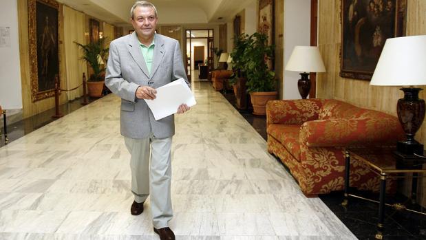 Francisco Alcalde, en los pasillos del Ayuntamiento de Córdoba