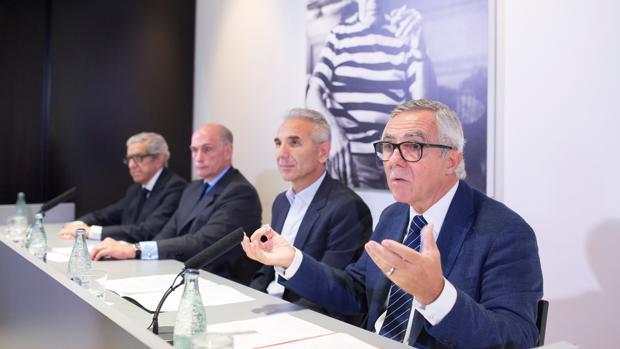 El director del museo, José Lebrero, junto a Miguel Ángel Vázquez, Bernard Ruiz Picasso y Braulio Medel