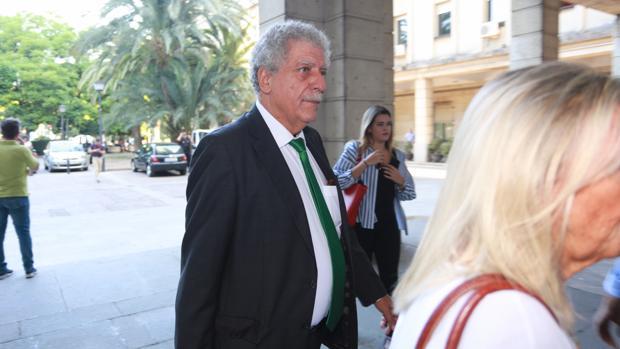 El perito del Estado en el juicio del caso ERE, Angel Turrion, en la Audiencia de Sevilla