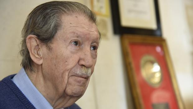 Manuel Alcántara en una de sus apariciones públicas