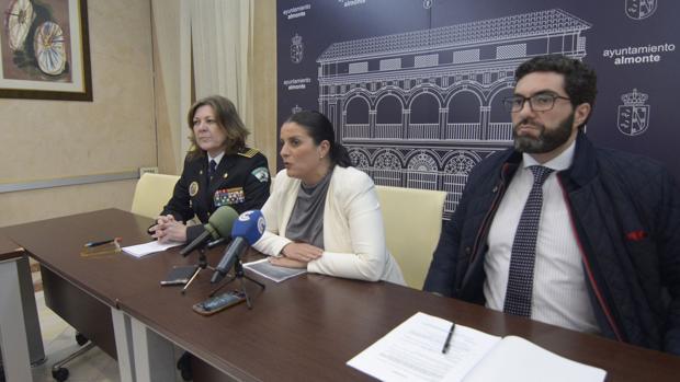 El Ayuntamiento asegura que la Policía Local entregó el cuchillo