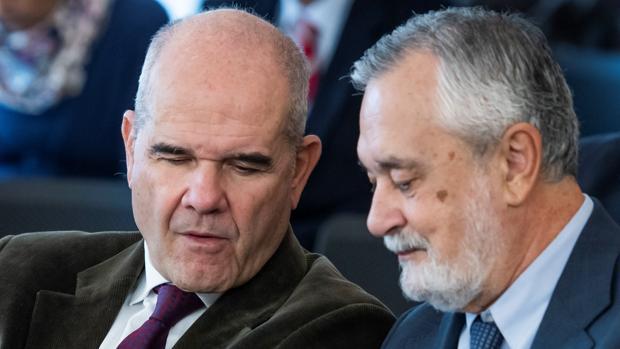 Los expresidentes andaluces, Manuel Chaves y José Antoni Griñán, este martes durante el juicio del caso ERE