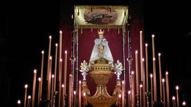 Altar de cultos del Milagroso Niño Jesús de Praga, de la archicofradía del Carmen de San Cayetano