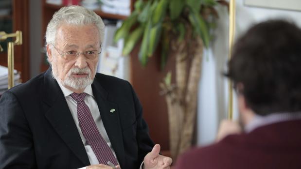 El Defensor del Pueblo, Jesús Maeztu, durante su entrevista con ABC
