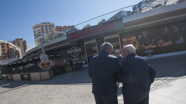 Fachada del nuevo Hard Rock Café ubicado en el Puerto de Málaga