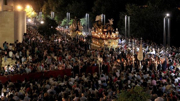 Imágenes del Vía Crucis Magno de la Fe, celebrado el 14 de septiembre del año 2013