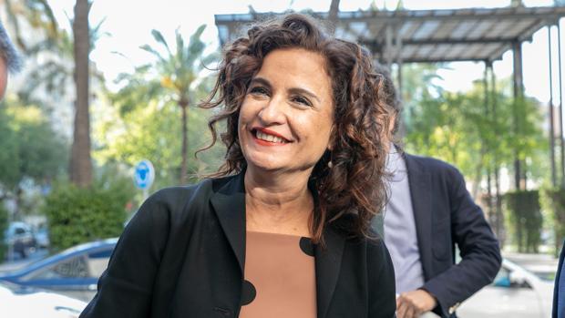 La ministra de Hacienda, María Jesús Montero, el miércoles en Sevilla donde participó en un desayuno informativo