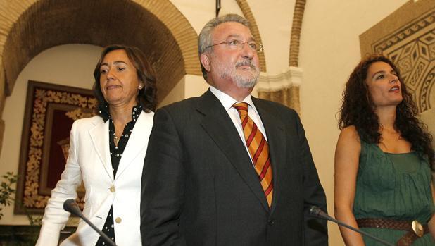 Bernat Soria, junto a Rosa Aguilar y María Jesús Montero, en una imagen de archivo