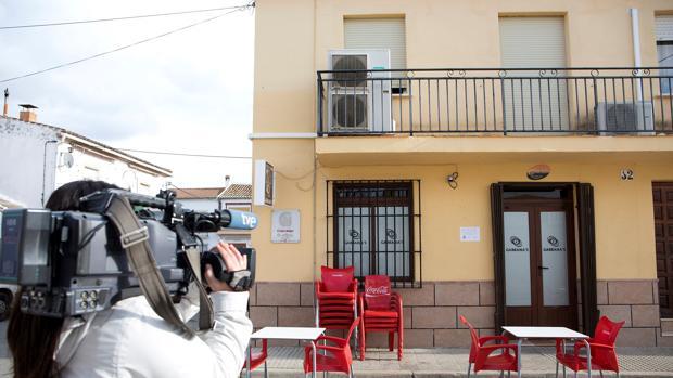 Puerta del bar de Bobadilla donde la soldado dijo haber sido drogada antes del episodio de abusos