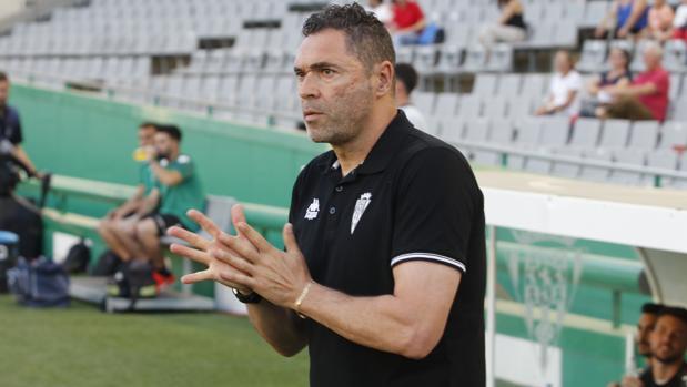 Rafael Navarro antes del inicio del partido ante Osasuna