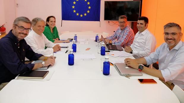 Reunión de PP y Ciudadanos para cerrar el acuerdo