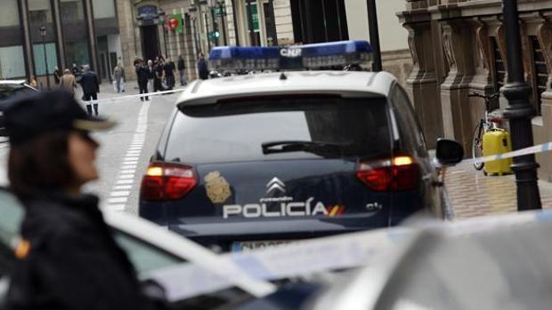 El hombre asaltó una farmacia en el Zaidín y otras dos en la Zona Norte de Granada esa misma mañana.
