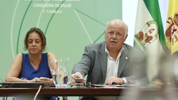 Jesús Aguirre, consejero de Salud y Familias, este lunes en una comparecencia de prensa