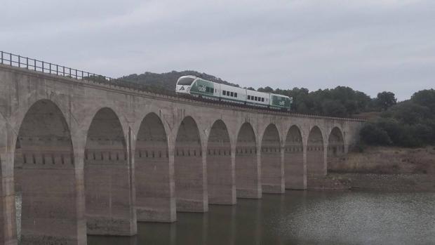 Un tren de pruebas de Adif, en la línea Córdoba-Almorchón en mayo de este año