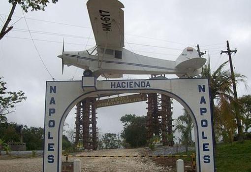 Entrada de la «Hacienda Nápoles» de Pablo Escobar en Colombia