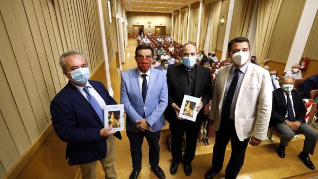 Presentación del libro de los 25 últimos años de la Agrupación de Cofradías de Córdoba