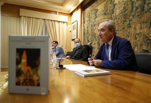 Presentación del libro de Rafael Carlos Roldán sobre los últimos 25 años de la Agrupación de Cofradías
