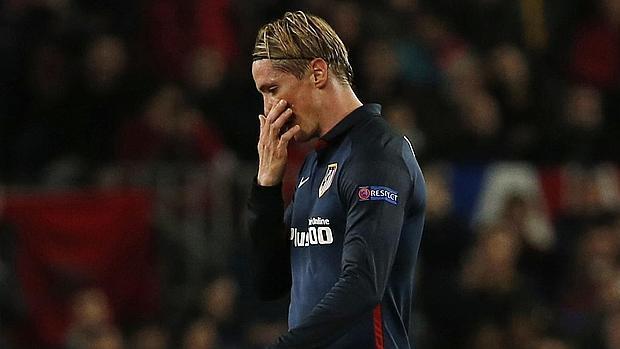 Fernando Torres, tras ser expulsado en el Camp Nou