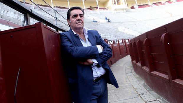 Manuel Martínez Erice, en el callejón de Las Ventas