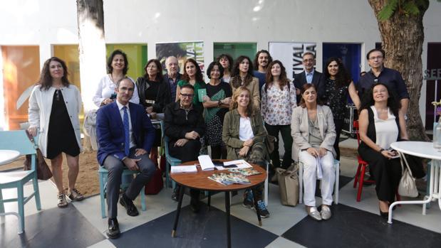 José Luis Cienfuegos e Isabel Ojeda con representantes de entidades que colaboran con el SEFF