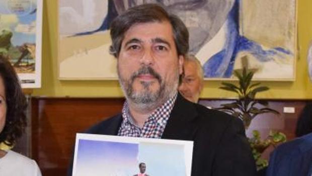 Emilio Alonso Feliz, ganador del V Premio de Novela Manuel Díaz Vargas
