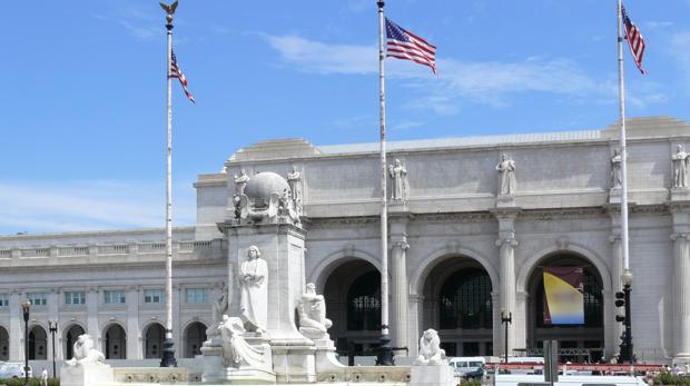 El Columbus Circle, o plaza de Colón de Washington, que ahora quieren renombrar por «racista»