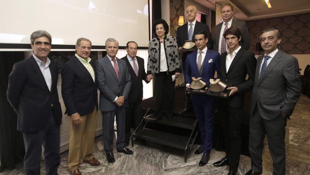 Los toreros en el homenaje a Ramón Vila Muñoz, Ojeda, Espartaco, Romero, Manzanares y Castella