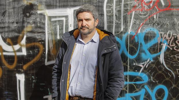 El escritor sevillano Daniel Ruiz