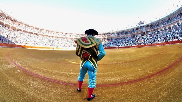 Una foto de Morante cada día - Página 5 Morante-corrida-paseillo-kbJG--620x349@abc