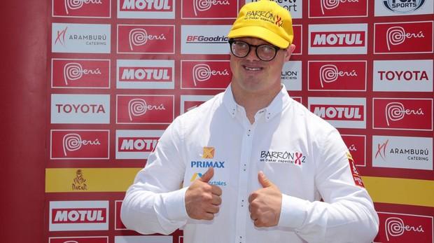 Lucas Barron, participante del próximo Rally Dakar 2019, posa durante una ceremonia realizada el pasado 4 de diciembre en Lima