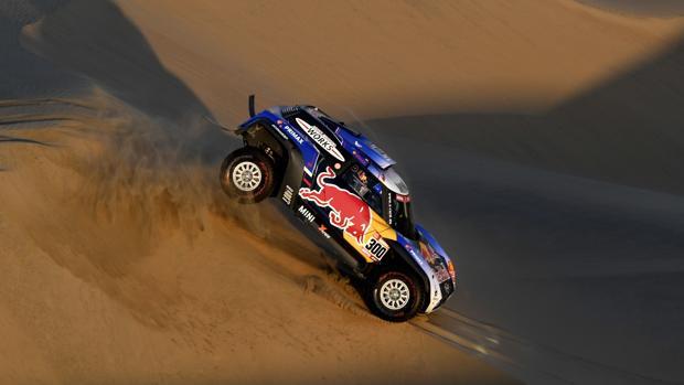 Carlos Sainz, durante la segunda etapa del Dakar 2019