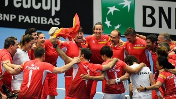 La selección celebra su victoria ante Bélgica