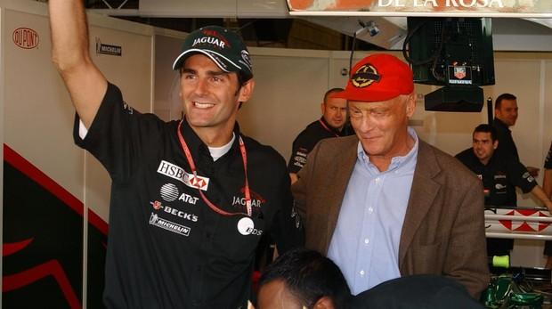 Lauda, con Pedro de la Rosa en Jaguar