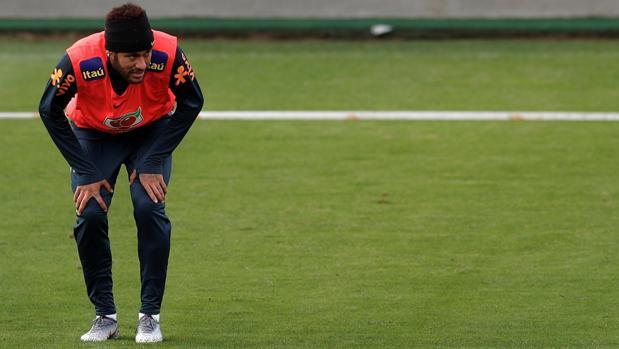 Neymar, en un entrenamiento de su selección