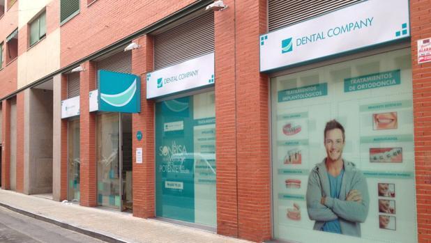 La red de clínicas odontológicas consta de centros propios y franquiciados