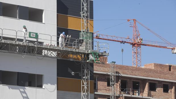 Del total de las viviendas transmitidas en mayo, el 17,6% son de nueva construcción, con un total de 8.303 transacciones (un 9,2% más)